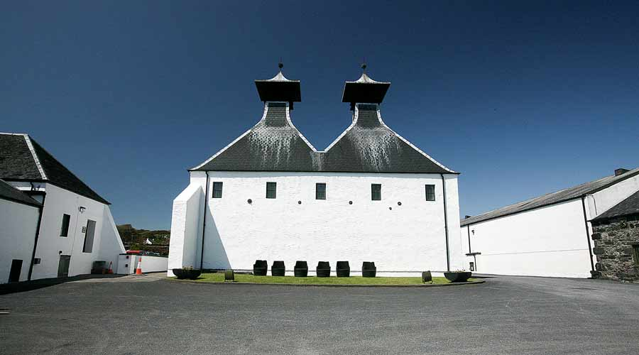 ardbeg-peated-scotch-islay-01